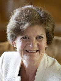 Photo of Dame Fiona Reynolds
