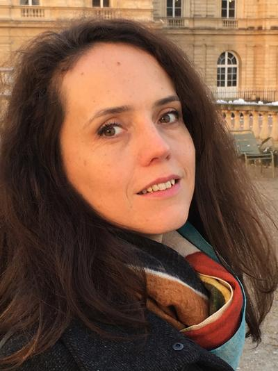 Photo of Dr Julie Barrau